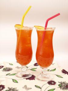 Maasika-virsiku limonaad